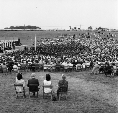 64-98; Outdoor Commencement on the Edwardsville Campus